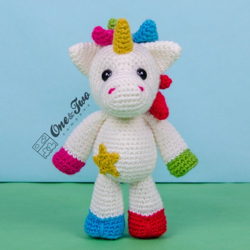 Free Crochet Unicorn Pattern - thefriendlyredfox.com | 500x500