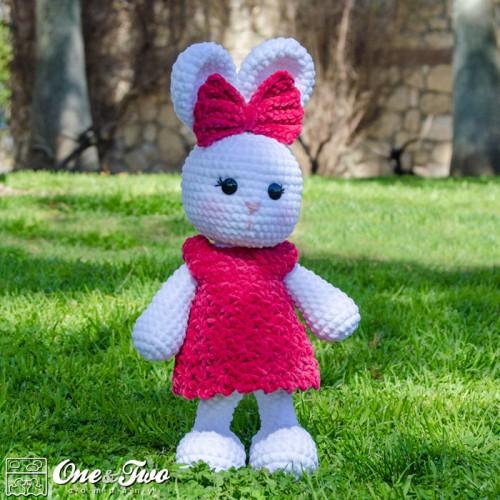 Amigurumi Rabbit Face : Olivia the Bunny Amigurumi Crochet Pattern