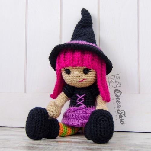 Free Amigurumi Witch Pattern : Willow the Witch Amigurumi Crochet Pattern