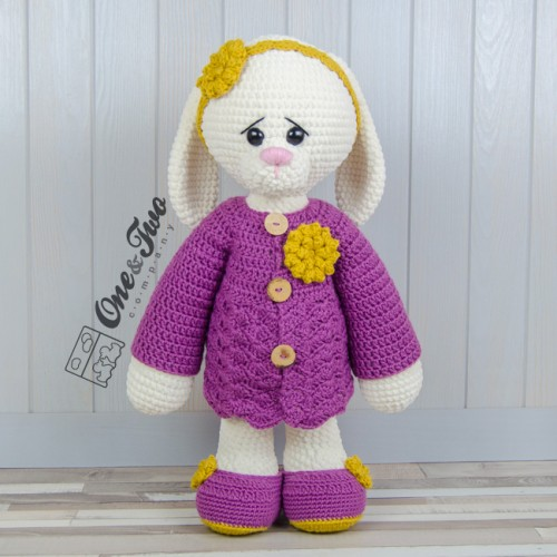 Ravelry: Cory the Giant Bunny pattern by Ilaria Caliri (aka airali) | 500x500