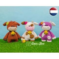 "Clotilde the Little Cow ""Little Explorer Series"" Amigurumi Crochet Pattern - Dutch Version"