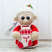 "Mrs. Claus ""Little Explorer Series"" Amigurumi Crochet Pattern - English Version"