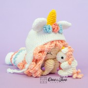 Iris the Unicorn Dolly Amigurumi Crochet Pattern - English, Dutch, German, Spanish, French