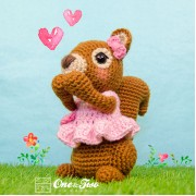 Suki the Squirrel Amigurumi Crochet Pattern - English, Dutch, German