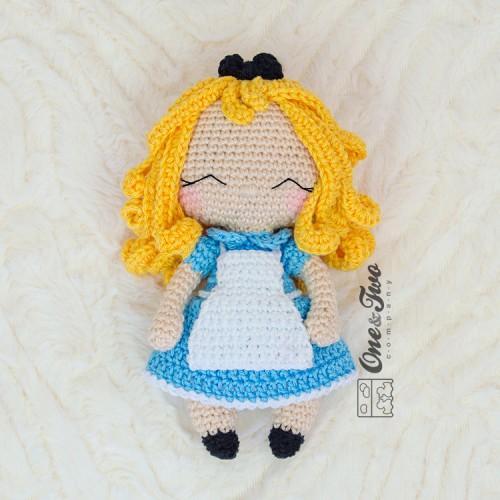Amigurumi Patterns of 4 Alice in Wonderland Characters   Amigurumi ...   500x500