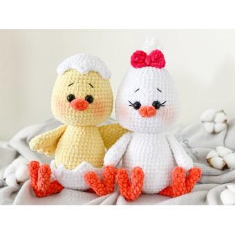 Coco the Little Chicken Amigurumi Crochet Pattern - English, Dutch, German, Spanish, French