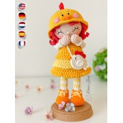 Goldie the Chicken Dolly Amigurumi Crochet Pattern - English, Dutch, German, Spanish, French