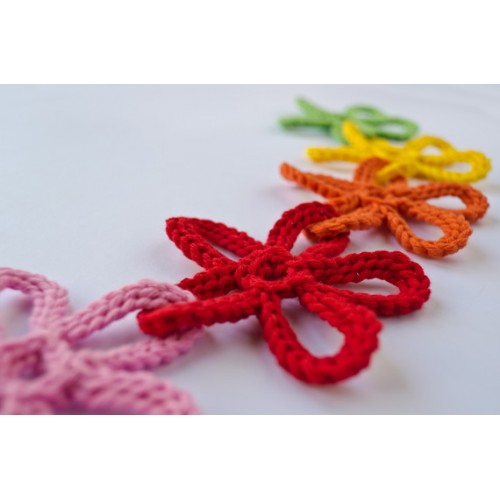 Garland of Colorful Flowers Crochet Pattern