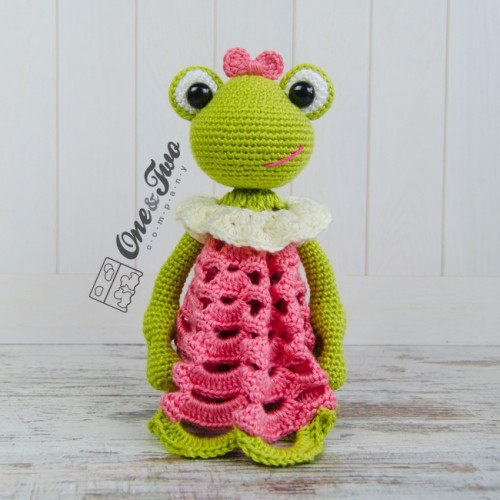Kelly the Frog Amigurumi Crochet Pattern | 500x500