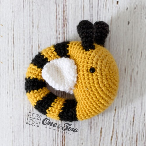 Crochet animal baby rattles + patterns | Crochet animal patterns ... | 500x500