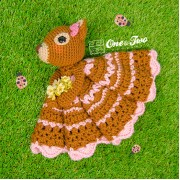 Suki the Squirrel Security Blanket Crochet Pattern - English, Dutch, German