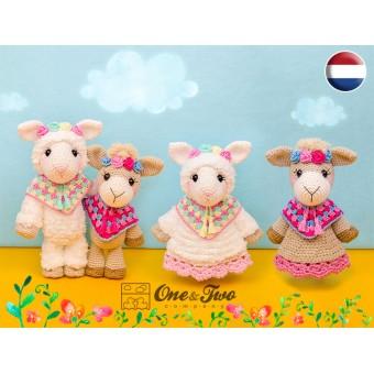 Astrid the Alpaca Lovey and Amigurumi Crochet Patterns Pack - Dutch Version